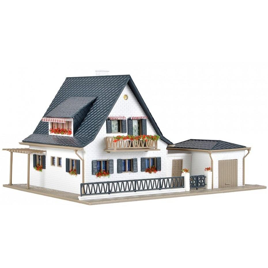 Vollmer - 43718 - H0 House with garage