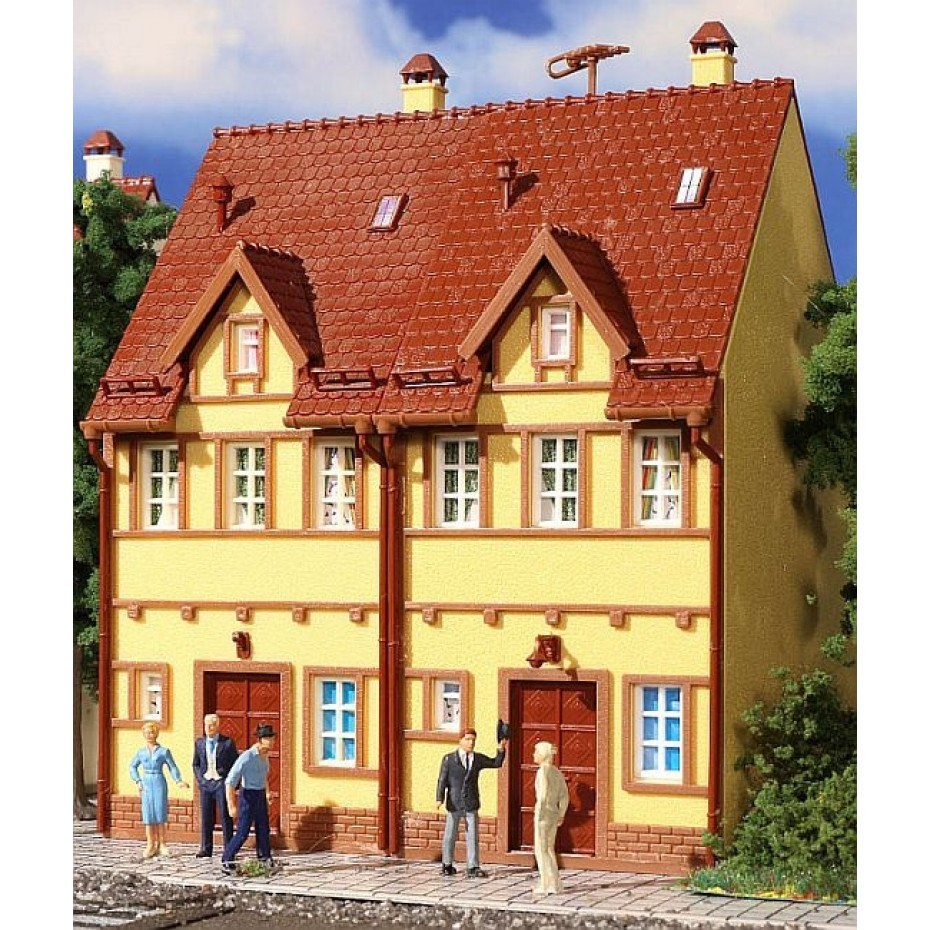 Vollmer - 43844 - H0 Semi-detached row house, yellow