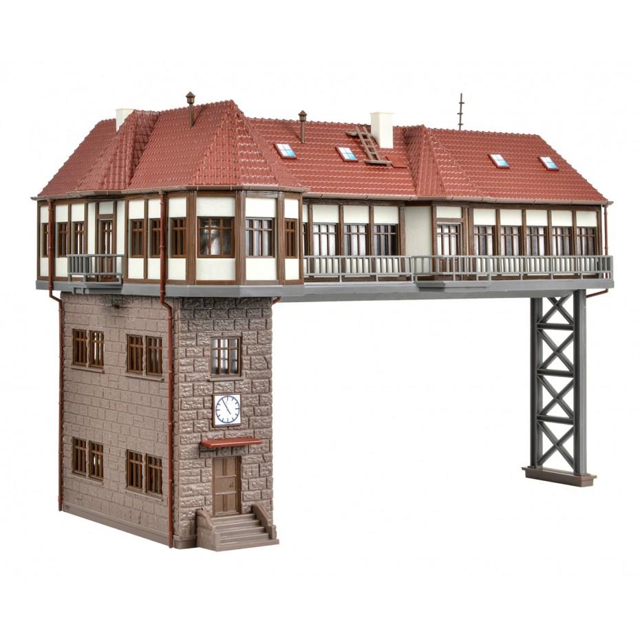 Vollmer - 45735 - H0 Gantry-style signal tower Stuttgart