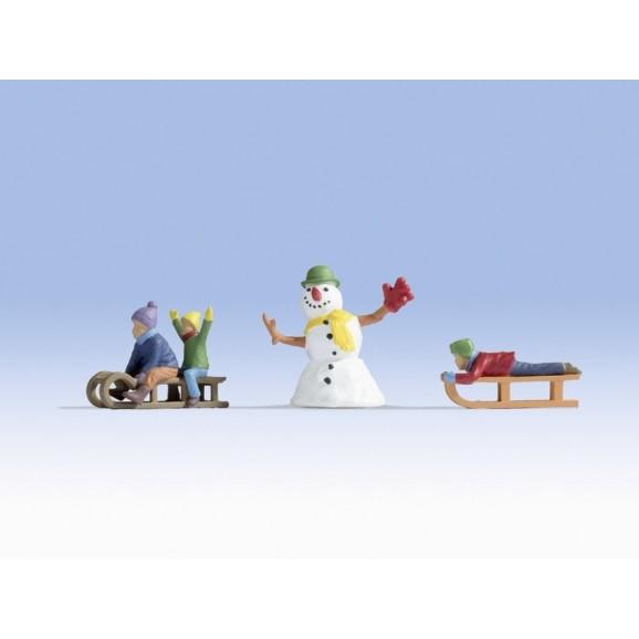 NOCH - 17921 - Children in the Snow 0 SCALE