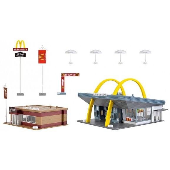 Vollmer - 43635 - H0 McDonald`s fast food restaurant with McCafé