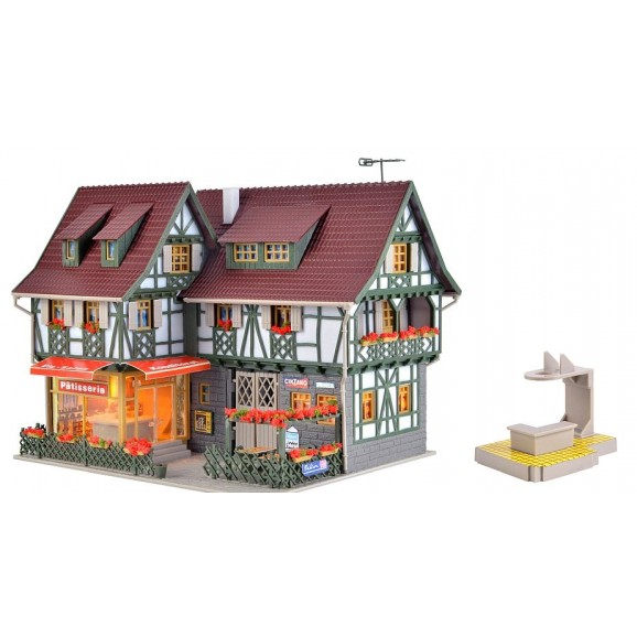 VOLLMER - 43683 - H0 Confectionery shop with ice cream parlour, (HO SCALE)