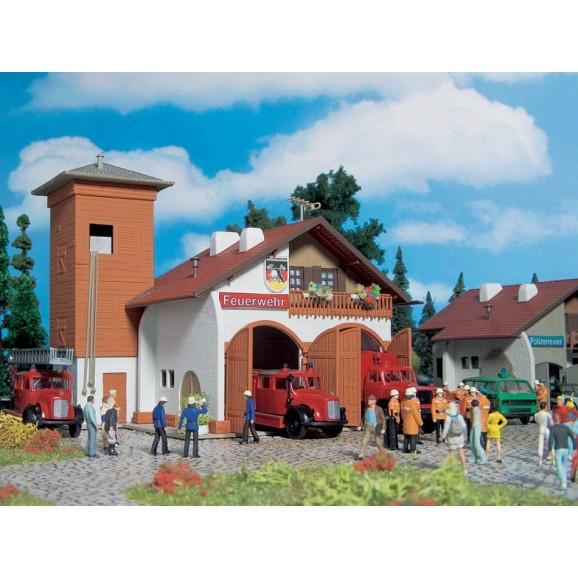 Vollmer - 43761 - H0 Fire station 112, two track